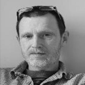 dr MARIUSZ CIECHOMSKI