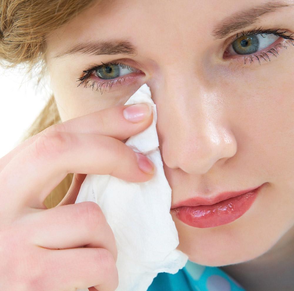 łzawienie oczu